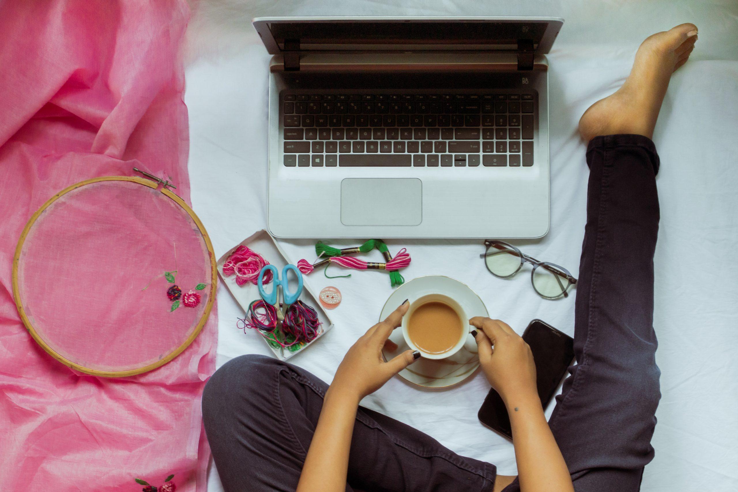5 Keuntungan Bekerja dari Rumah
